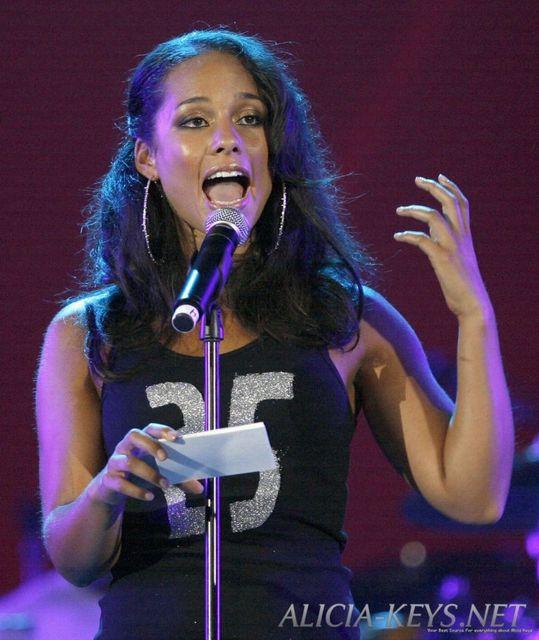 🐞 Paroles Alicia Keys : paroles de chansons, traductions et