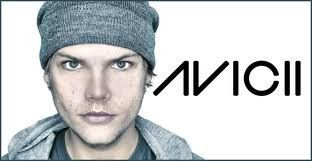Avicii (Tim Berg ou Tom Hangs)