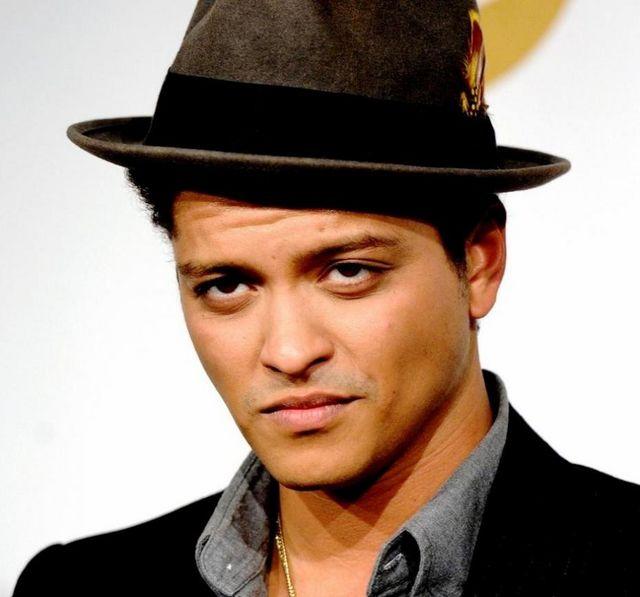 Bruno Mar Wake Up In The Sky Mp3 Download: Paroles Bruno Mars : Paroles De Chansons, Traductions Et